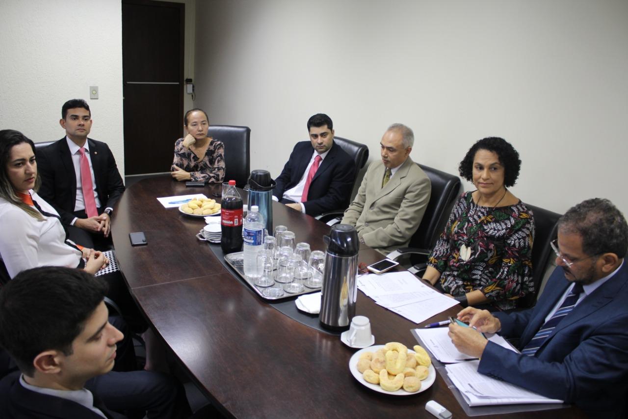 10/10 - Posse de Renan Sales de Meira aprovado no III Concurso da PGE/TO
